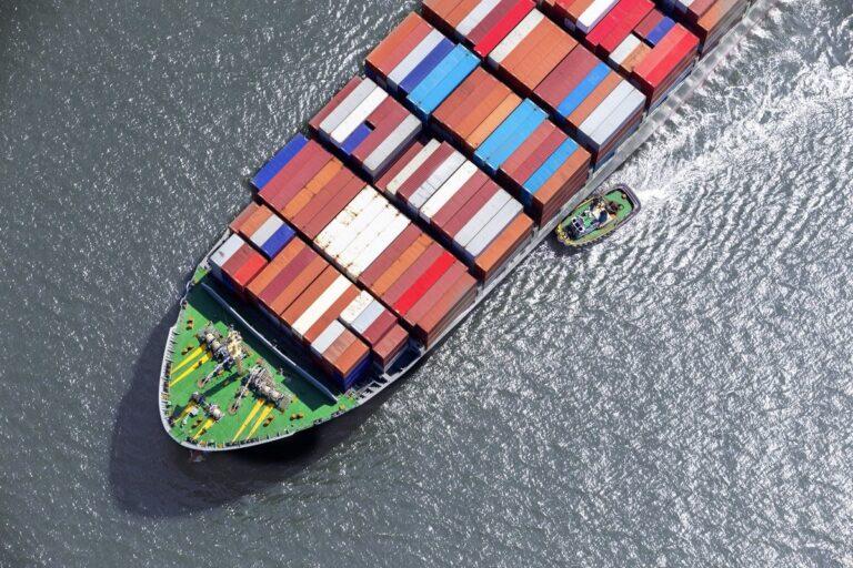 Контейнерные линии переводят суда на более прибыльные маршруты