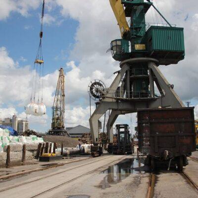 Порт Херсон сократил грузооборот на 36% в первом квартале