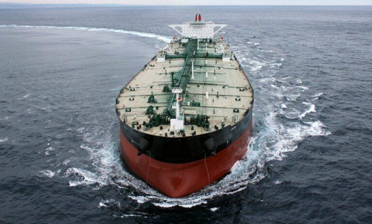 Владельцы танкеров несут потери из-за снижения добычи нефти Саудовской Аравией