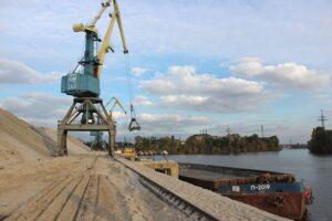 Речные грузоперевозки упали на 13% в 2020 году