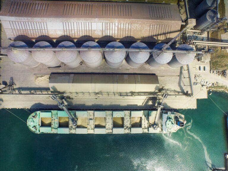 Порт «Пивденный» обновил рекорд месячной перевалки зерновых