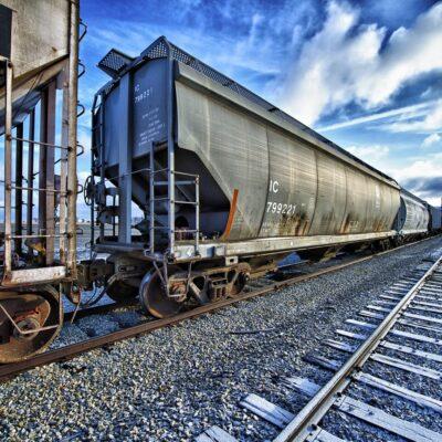 Укрзализныця почти ускорила оборот грузовых вагонов почти на 14% в марте