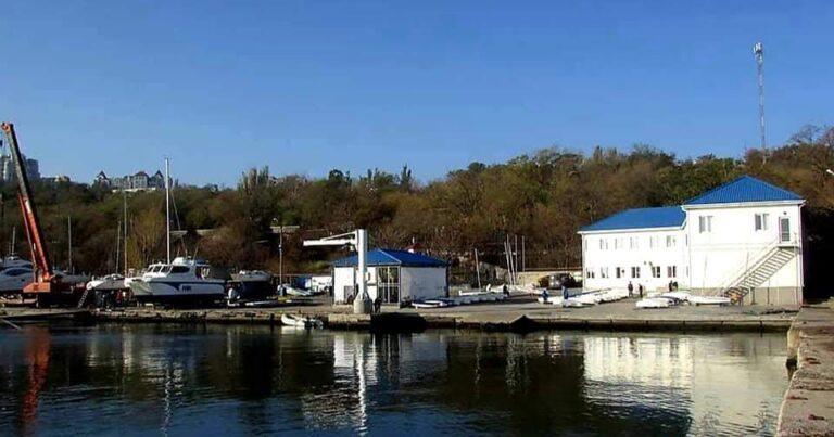 ФГИ начал поиск нового директора Черноморского яхт-клуба