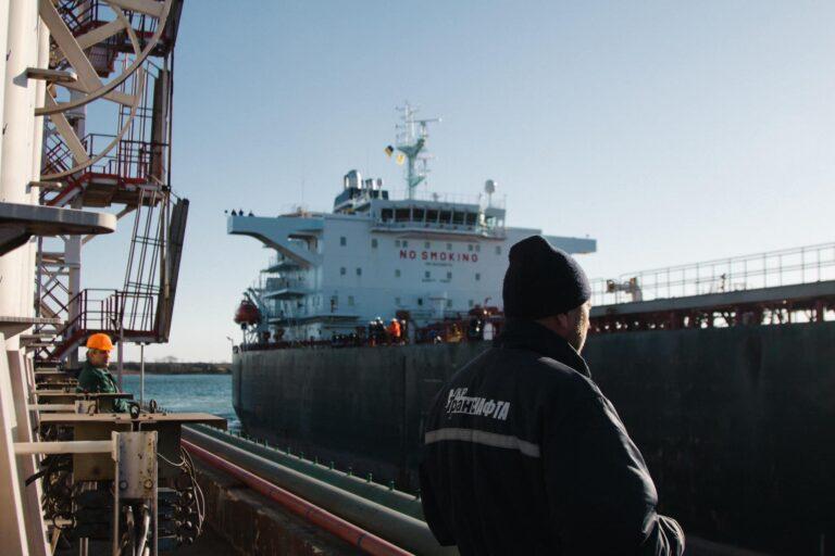 Порт «Пивденный» в августе примет очередную партию нефти Azeri Light для Беларуси