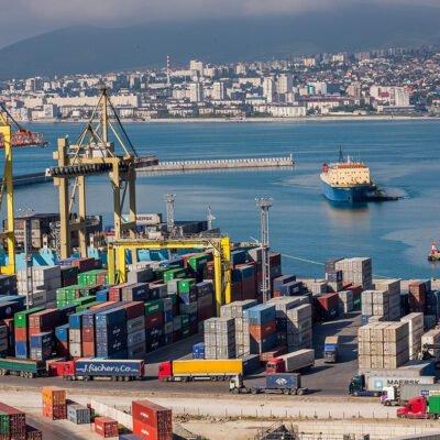 В январе-апреле крупнейший портовый холдинг России сократил контейнерооборот на 23,2%