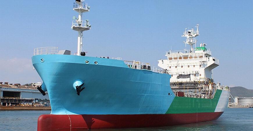 В Японии спущен на воду первый СПГ-бункеровщик