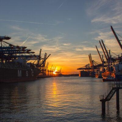 Три крупнейших порта Латвии станут государственными