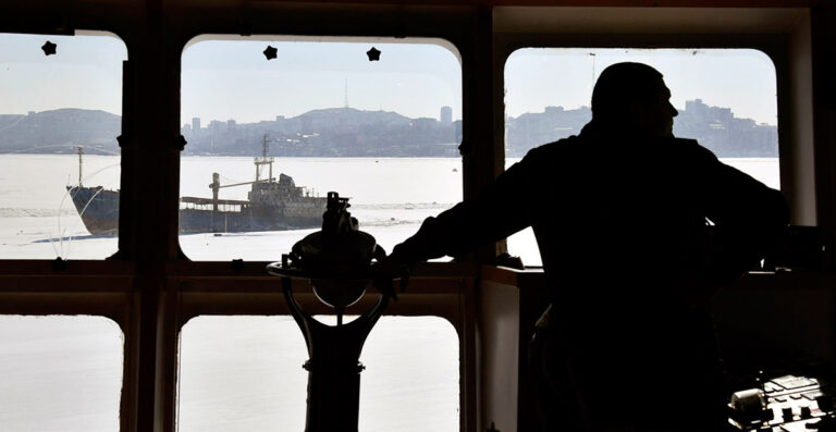 Грузия разрешила смену экипажей и ротацию моряков