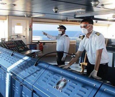 Судам разрешили менять курс ради смены экипажа в удобном порту
