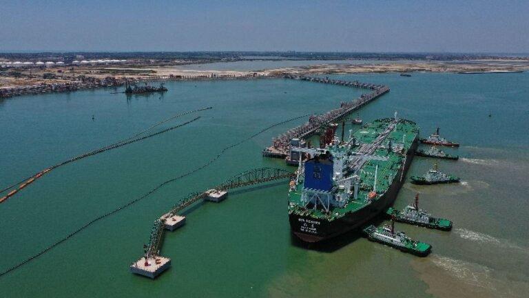 Запуск ознаменовался успешной швартовкой и разгрузкой танкера VLCC New Renown с ближневосточной нефтью.