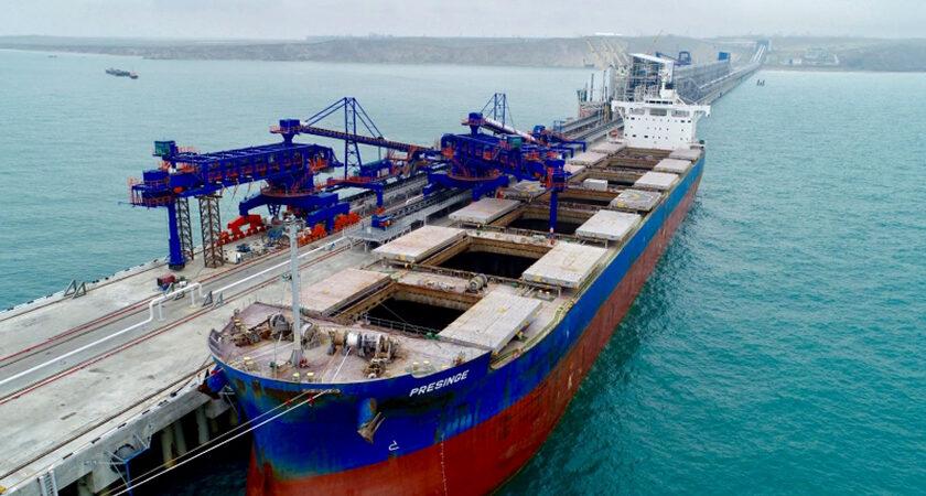 В порту Тамань началась эксплуатация первого причала нового сухогрузного терминала мощностью 35 млн тонн