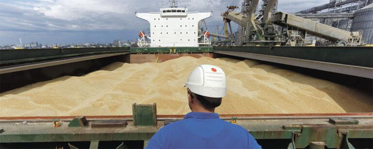 Морпорты увеличили перевалку зерна почти в два раза в августе