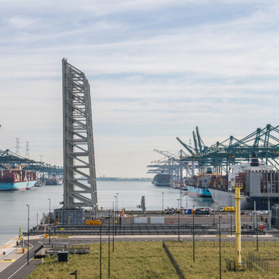 Порт Антверпен готовится к росту загрузки из-за инцидента в Суэцком канале