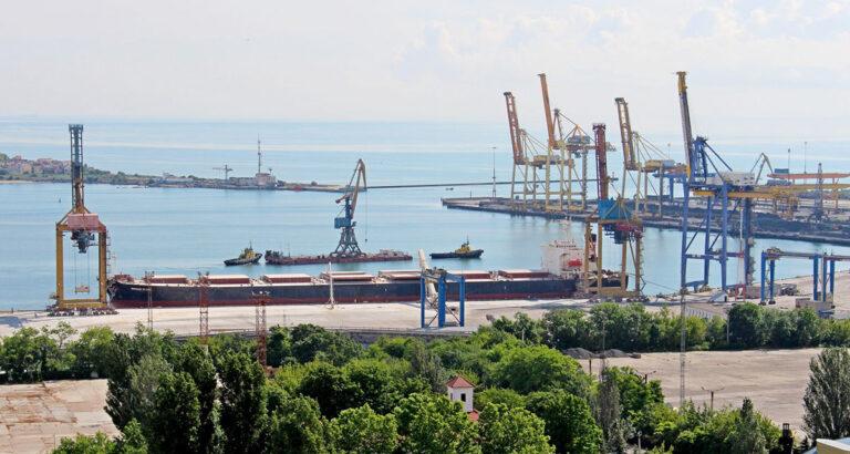 В порту «Черноморск» передислоцировали 40-тонный кран на Первый терминал
