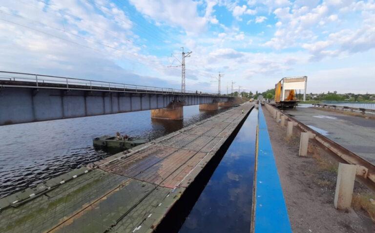 Возобновление движения по временному мосту на трассе около Никополя отложено