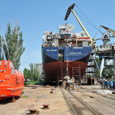 Завод «Океан» завершает операцию по удлинению сухогруза Modulus 3