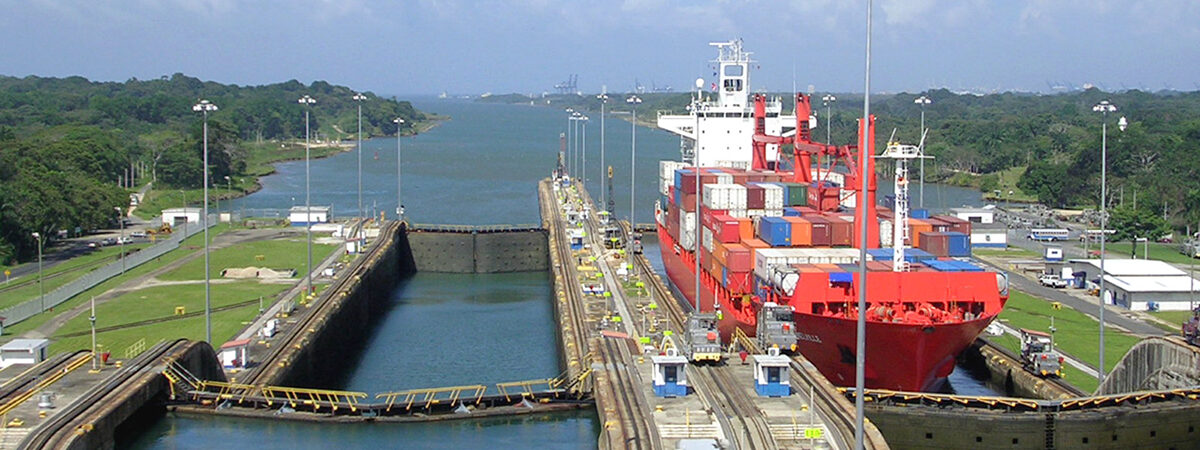 В апреле-мае Панамский канал потерял 20% трафика