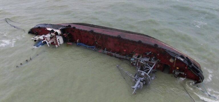 Прокуратура вручила подозрение бывшему командиру корабля морской охраны в деле танкера Delfi