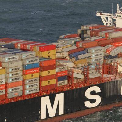 Контейнеровозы стали терять вдвое меньше контейнеров