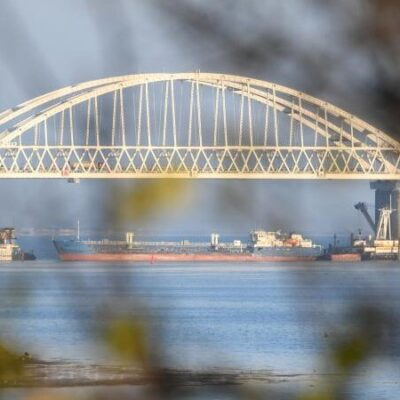 Россия на полгода перекрыла Керченский пролив для «чужих» кораблей