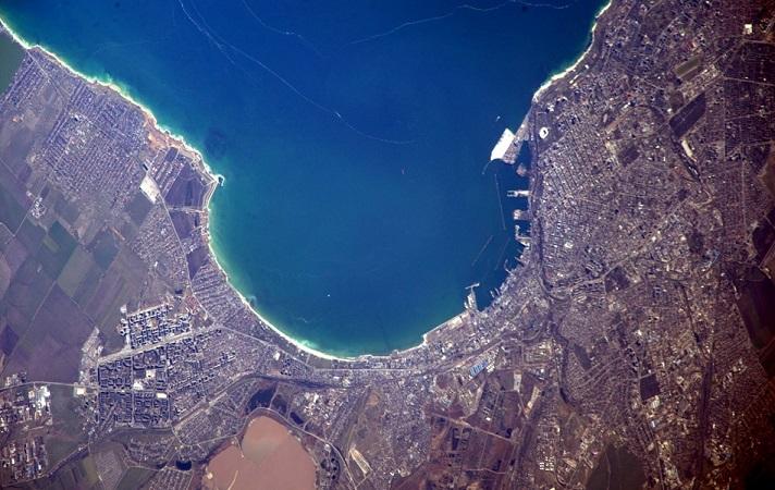 АМПУ хочет контролировать акватории портов из космоса