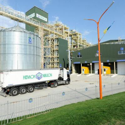 Новый речной терминал «Нибулона» массово принимает зерновые грузы