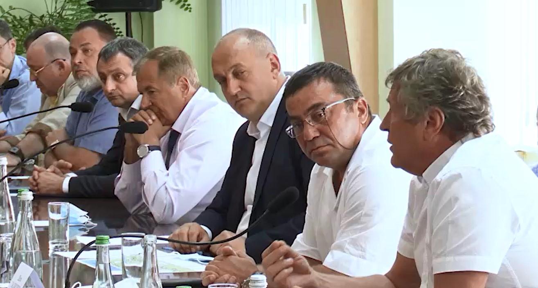 Президенту рассказали о портовых сборах и проблемах, связанных с ними