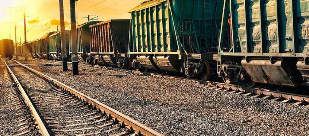 «Укрзализныця» снизит плату за использование зерновозов в июне