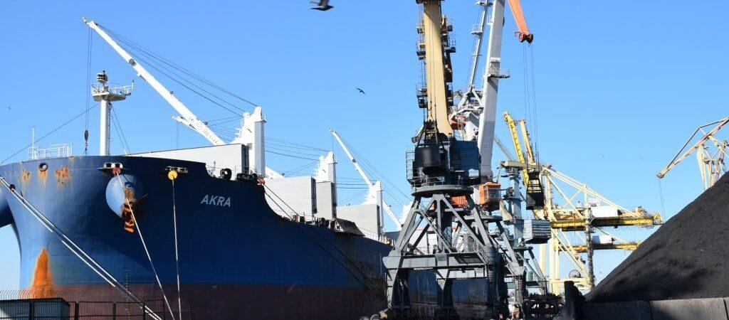 Порт Черноморск сократил грузооборот на 13% в январе-мае