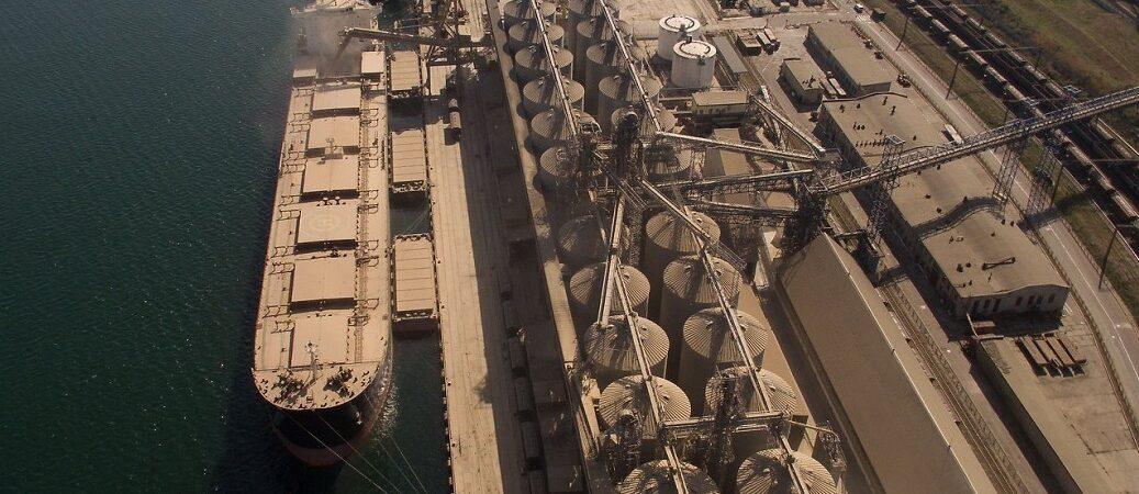 Реорганизация Госпродпотребслужбы посреди сезона может остановить экспорт зерна — УЗА