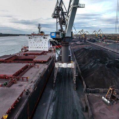 Морпорты сократили перевалку зерна, увеличили — руды, металла и масла