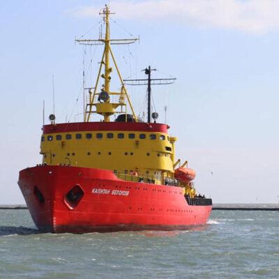 Ледокол «Капитан Белоусов» встал на ремонт перед зимним сезоном