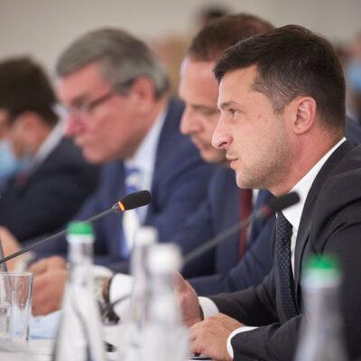 Зеленский предлагает обсудить с бизнесом проект о речном транспорте