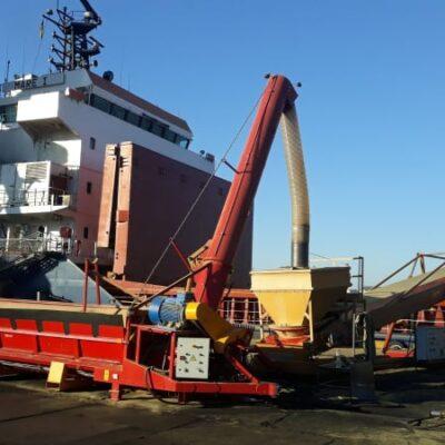 Госстивидор «Южный» впервые загрузил судно без складирования груза с минимумом перегрузочной техники