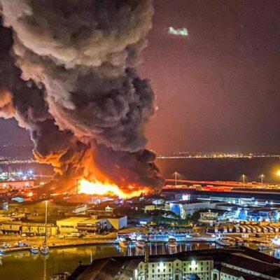 В итальянском порту Анкона больше суток тушили пожар