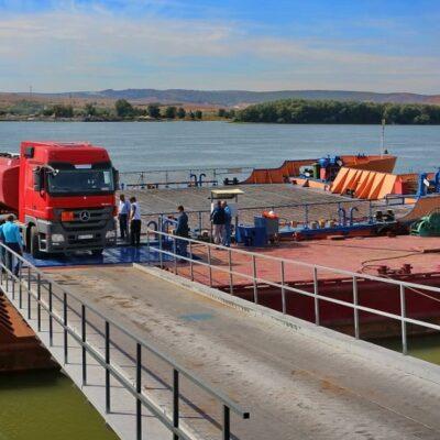 Переправа Орловка—Исакча обслужила более 2,3 тыс. грузовиков с начала работы