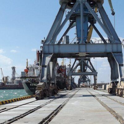 В январе-августе Бердянский порт увеличил грузооборот на 32,9%