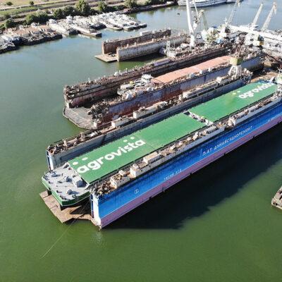 «Дунайсудосервис» спустил на воду 128-метровую баржу для «Агровисты»