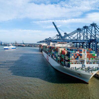 Порты Великобритании столкнулись с перегрузками