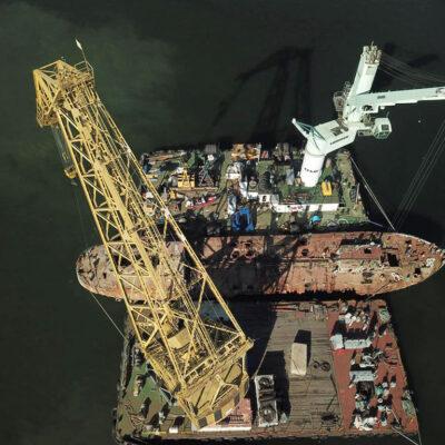 Аварийный танкер Delfi доставили в Черноморск