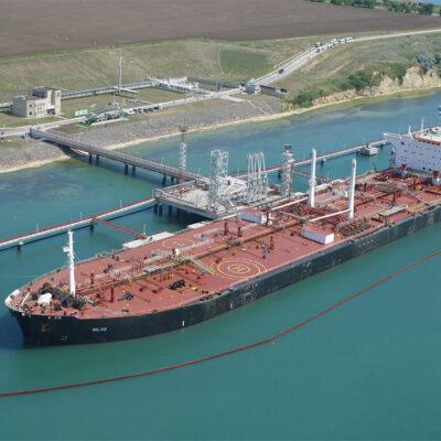 Нефтетерминал «Южный» принял очередной танкер с нефтью для Беларуси