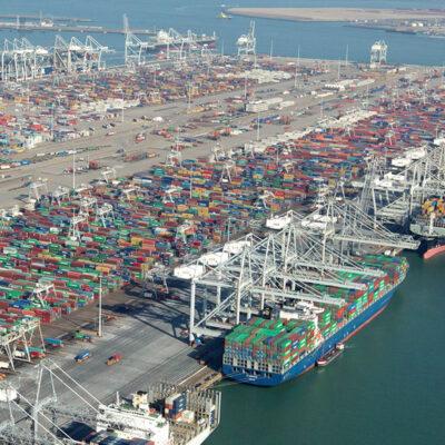 Порт Роттердам проведет дноуглубление, чтобы принимать мегаконтейнеровозы