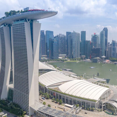 В Сингапуре появились плавучие гостиницы для сменяющихся моряков
