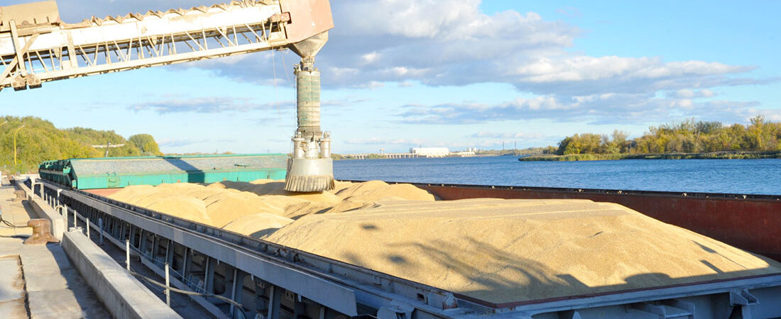 Экспорт зерна пЭкспорт зерна превысил 15 млн тонн с начала сезонареодолел полумиллионный рубеж с начала сезона