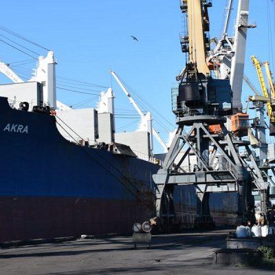 В I-III кварталах госстивидор «Черноморск» почти втрое сократил чистый убыток