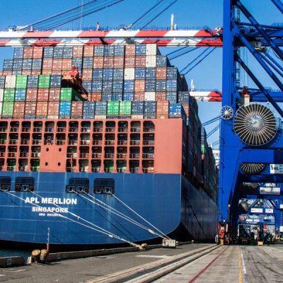 Порт Лос-Анджелес бьет рекорды контейнерооборота