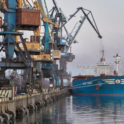 В январе-сентябре порт «Пивденный» увеличил грузооборот на 21,4%