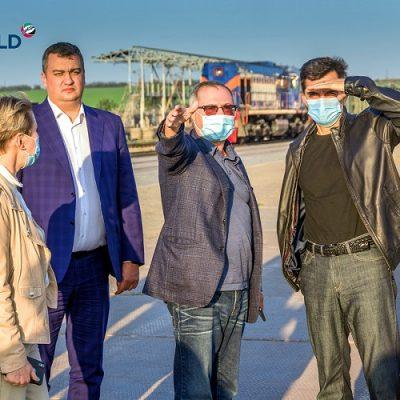 Глава «Укрзализници» посетил крупнейшие стивидоры порта «Пивденный»