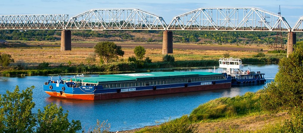 «Нибулон» перевез по рекам 20 млн тонн грузов