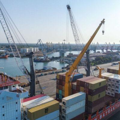 APM Terminals Poti обработал рекордное количество контейнеров за смену